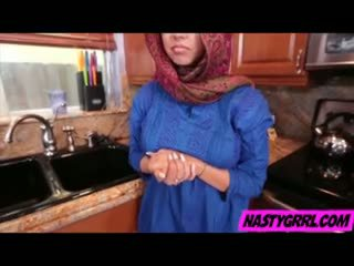 Hijabi cô gái ada has đến hút tinh ranh và obey