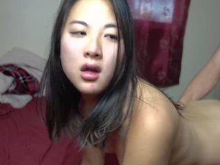 18 yr tua asia gadis kacau gaya doggystyle & takes air mani di dia alat kemaluan wanita
