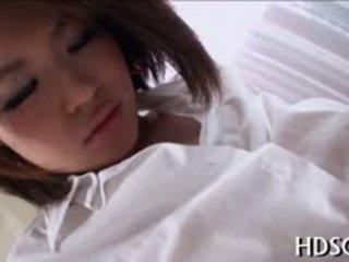 japanilainen, sulkea, tyttö, sormitus