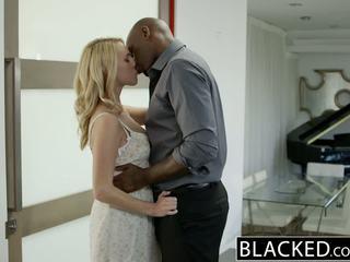 Blacked karstās blondīne meitene cadenca lux pays no boyfriends debt līdz jāšanās bbc