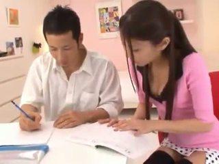 Astounding chinois nymph receives cumload après énorme having sexe sexe.