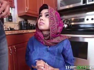 Arab teen Ada gets a warm pussy Cream