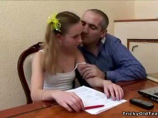 Lama guru does ia dengan an innocent si rambut perang