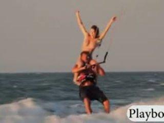 Καυτά playmates tryout kite boarding γυμνός