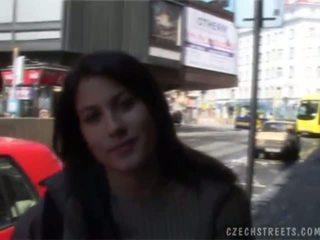 צ'כית streets veronika blows זין ל מזומנים