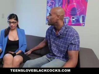 Mia khalifa fucks besar hitam kontol