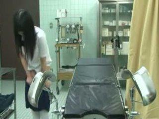 女学生 欺骗 由 gynecologist