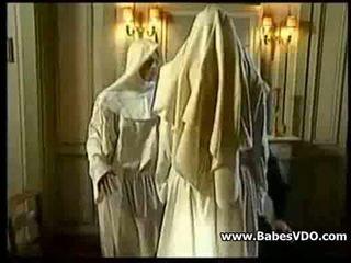 Nuns jebemti s priest in s pestjo