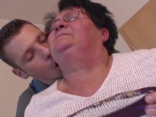 Grandson - Mature الاباحية أنبوب - جديد Grandson جنس أشرطة الفيديو.