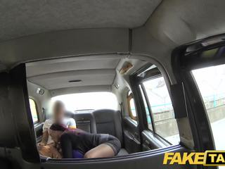 Fake taxi sekretarya looking babae may huge suso at pamamasa