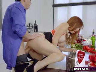 Momsteachsex - mamma og stepsons romantic vday faen s7:e7