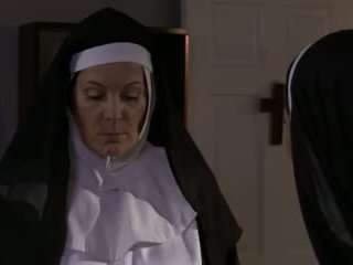 Възбуден възрастни монахиня и кучки лесбийки секс (roleplay)