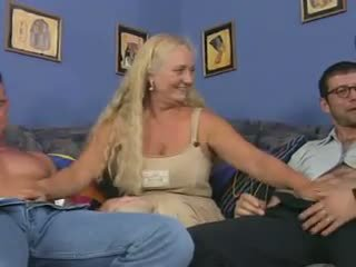 Babi kurba v a reverse analno piledrive, porno dd