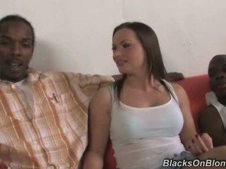 Katja kassin does anal avec noir studs