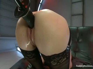 Cytherea fucked by machine