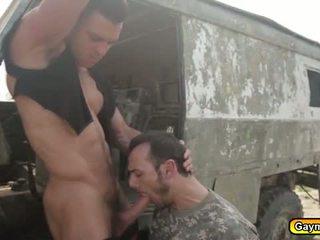 ideal kerl voll, homosexuell, militär frisch