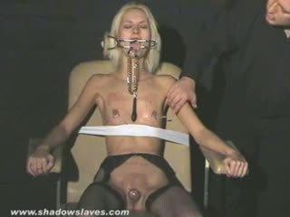 Extrem ac tortura și hardcore bdsm de blonda slavegirl