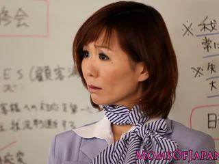 Küpsemad jaapani karvane kliitor ja perse toying