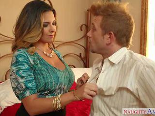 Възбуден съпруга danica dillon чукане