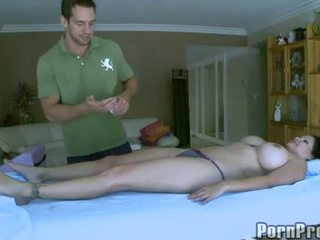 Delightful és szexi masszázs