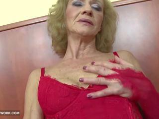 Exotisch porno - oma likes es rauh gets anal.