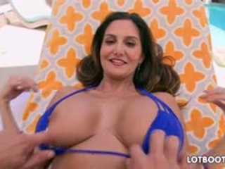 Fat Booty And Huge Boobs Ava Addams Gets Anal