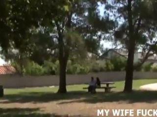 Παρακολουθείστε εσείς σύζυγος γαμήσι ένα μεγάλος cocked stranger