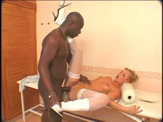Ellen saint - musta anaali kone