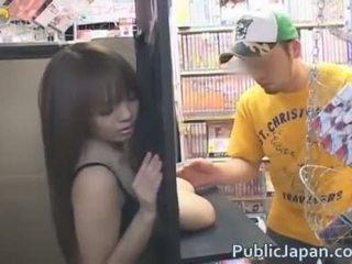 Hitomi Tanaka Show Off Her Huge Boobs