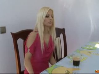 Aç emzikli eaters-jessie volt
