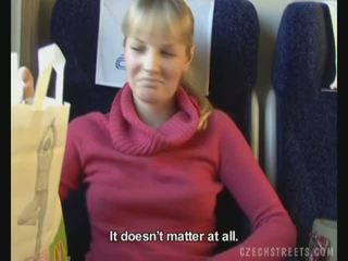 Pubblico cazzo su treno