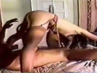 Một cổ điển trong giường giới tính với một đàn ông và người phụ nữ