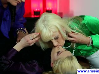 Les Pissloving Euros Toying and Licking Pussy: Free Porn b3
