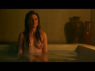 Lucy lawless ו - viva bianca רטוב ו - ללא חולצה