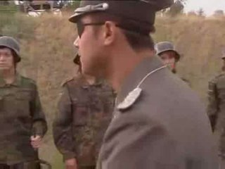 Voluptuous sõjavägi daam