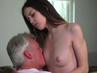 Innocent mieze gefickt von grandfather - porno video 771