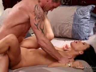 Spicy Asian Asa Akira In Kinky Bedroom Action With Marcus