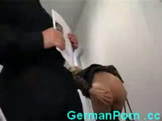 Ibu rumah tangga anal kantor