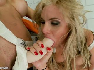 Puma swede fucks phoenix marie up her bokong with a toy