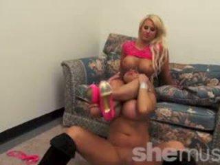 Nikki jackson ir megan avalon žaisti kartu