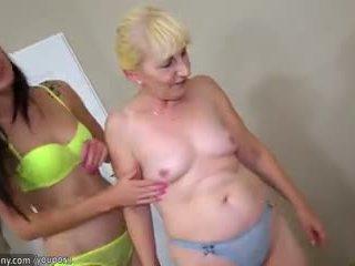 Morena lesbianas chica y rubia lesbianas madura tener largo consolador