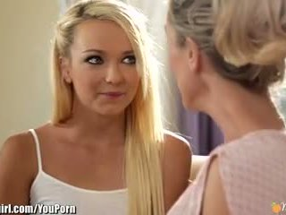 Mommysgirl brandi szeretet seduces step-daughter
