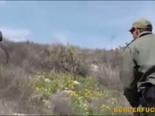 단단한 라티 kimberly gates gets nailed 로 patrol agent