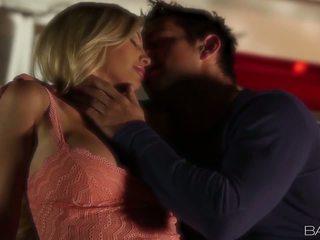 Babes com-sensual revelation - tasha reign: gratis resolusi tinggi porno e4