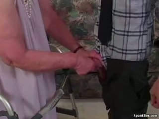 Granny loses tema hambad kuigi imemine