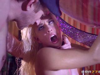 Brazzers - seksualu stripper jessie volt pažinčių didžiulis varpa.