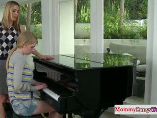 Musical mommy pakikipagpalitan pagbuga ng tamod may stepteen