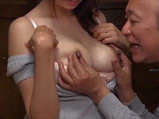 Γάλα για γριά άνθρωπος: θηλασμός hd πορνό βίντεο d8