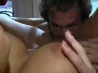 Step-daughter catches パパ wanking