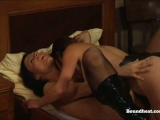 Two Lesbians Using Strapon and Having Orgasms: Free Porn 9e